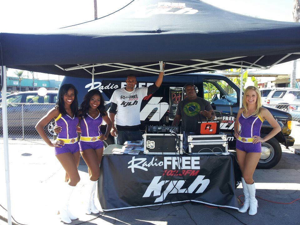laker-girls-and-kjlh-street-team