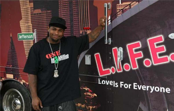 lil eazy at the one in a million event bus.jpg