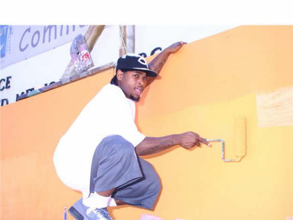 lil eazy painting boost mobile event 2.jpg