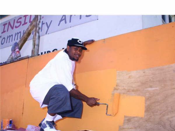 lil eazy painting boost mobile event 3.jpg